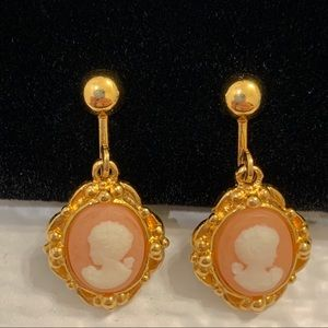 Vintage Avon Cameo Clip on Earrings gold tone